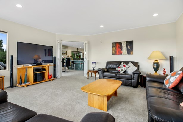 24b View Road, Shelly Park, Auckland - NZL (photo 2)