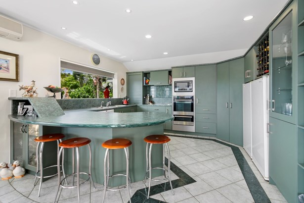 24b View Road, Shelly Park, Auckland - NZL (photo 5)