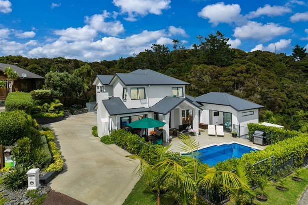 12 Eastvale Close, Greenhithe, Auckland - NZL (photo 2)