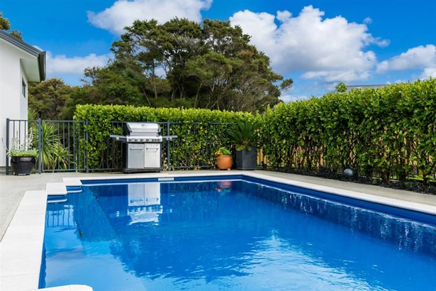 12 Eastvale Close, Greenhithe, Auckland - NZL (photo 5)