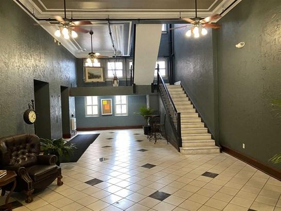 Condo/Villa - Fort Wayne, IN