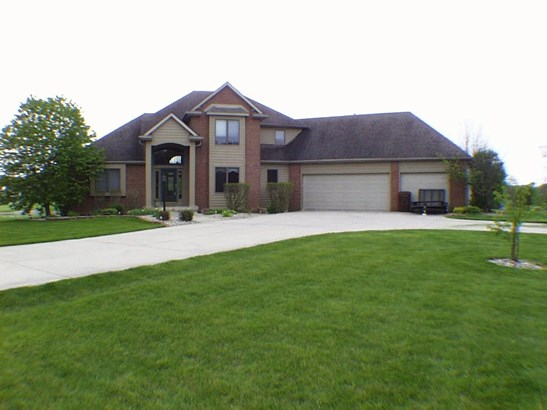 Traditional, Site-Built Home - Fort Wayne, IN (photo 2)