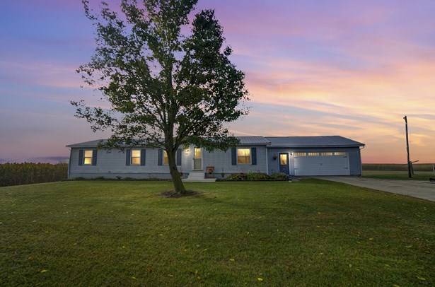 Manuf. Home/Mobile Home - Wolcottville, IN