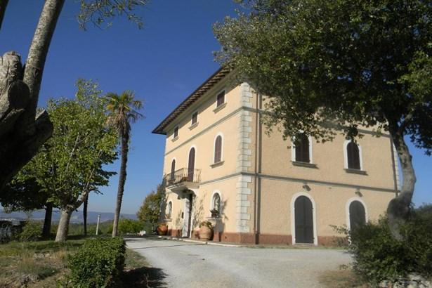 Fabro - ITA (photo 1)