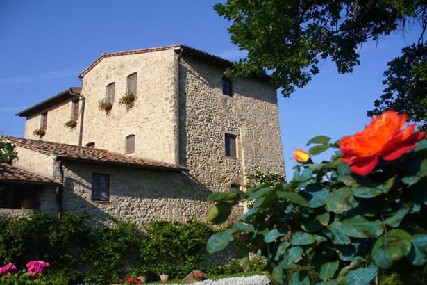 San Gimignano, Siena Tuscany - ITA (photo 2)