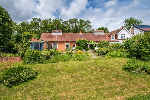Summerfield Lane, Frensham, Farnham - GBR (photo 4)