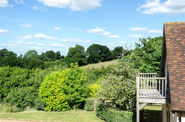 Rodbourne, Wiltshire - GBR (photo 2)