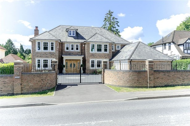 Marshalswick Lane, St. Albans - GBR (photo 1)