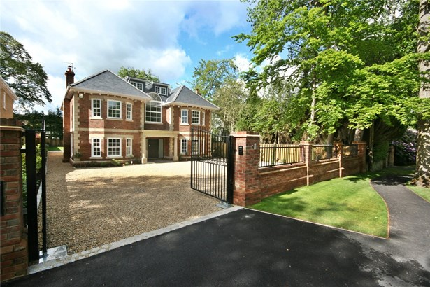 Fulmer Drive, Gerrards Cross - GBR (photo 1)