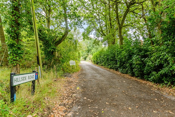 Hillside Road, Frensham, Farnham - GBR (photo 3)