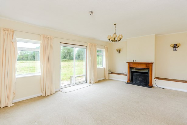 Hillside Road, Frensham, Farnham - GBR (photo 4)