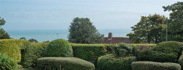 Salisbury Road, St. Margarets Bay, Dover - GBR (photo 5)