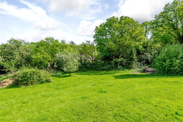 Green Lane, Dockenfield, Farnham - GBR (photo 1)