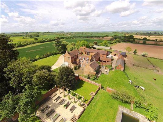 Walton Hill, Deerhurst, Gloucester - GBR (photo 5)