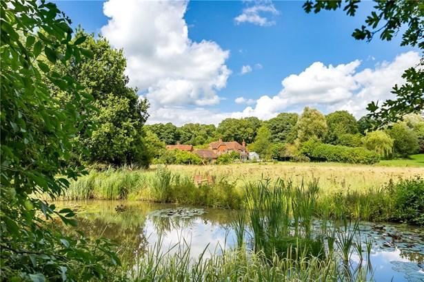 Wrotham Hill, Dunsfold, Godalming - GBR (photo 1)
