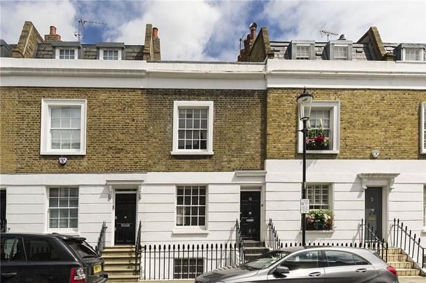 First Street, London - GBR (photo 1)