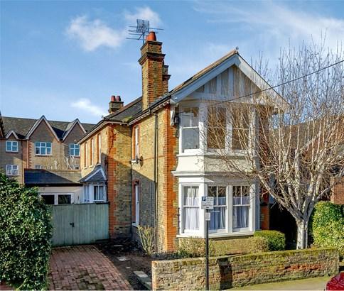 Grove Road, Chelmsford - GBR (photo 1)