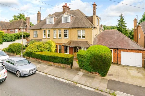 Lancaster Road, St. Albans - GBR (photo 1)