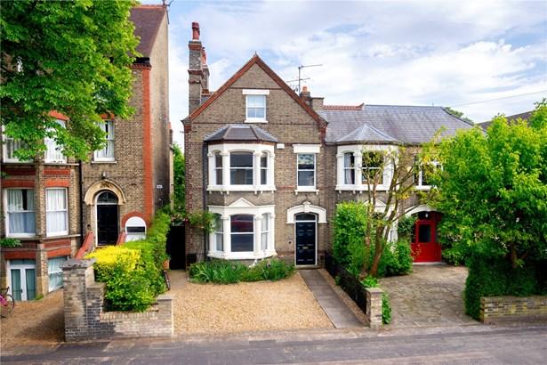 Tenison Road, Cambridge - GBR (photo 1)