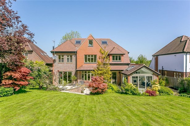 Manor Way, Guildford - GBR (photo 1)