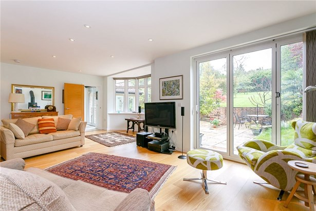 Manor Way, Guildford - GBR (photo 2)