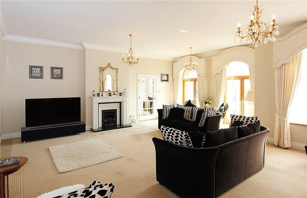Bere Court Road, Pangbourne, Reading - GBR (photo 3)
