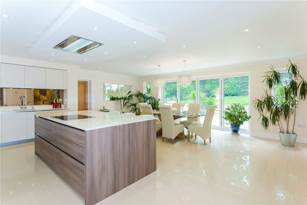 Fulmer Drive, Gerrards Cross - GBR (photo 5)