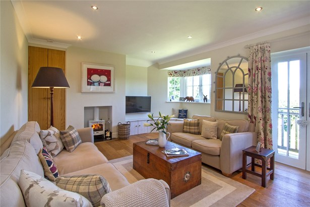 Courts Mount Road, Haslemere - GBR (photo 4)