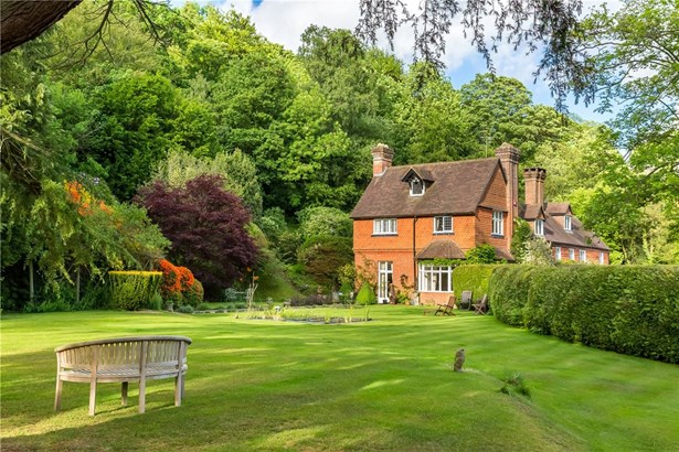 Bell Vale Lane, Haslemere - GBR (photo 5)