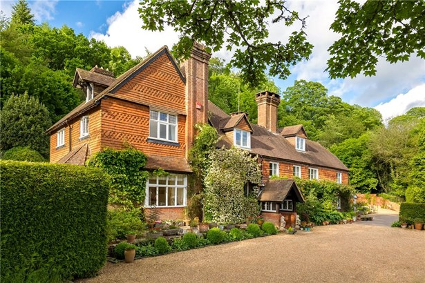 Bell Vale Lane, Haslemere - GBR (photo 4)