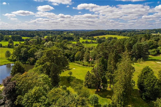 Frensham Lane, Churt, Farnham - GBR (photo 3)