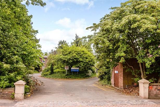 Abbey Foregate, Shrewsbury - GBR (photo 2)