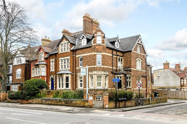 Woodstock Road, Oxford - GBR (photo 2)