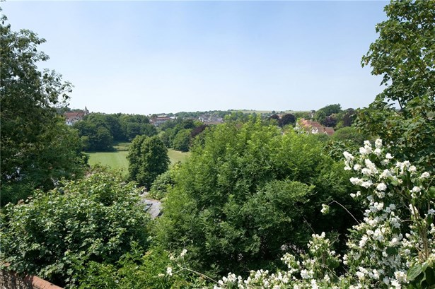 Castle Precincts, Lewes - GBR (photo 5)