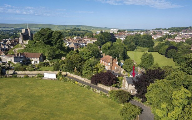 Castle Precincts, Lewes - GBR (photo 1)