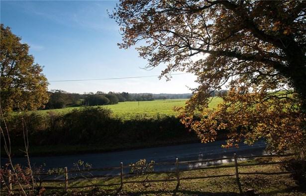 Monteswood Lane, Lindfield - GBR (photo 5)