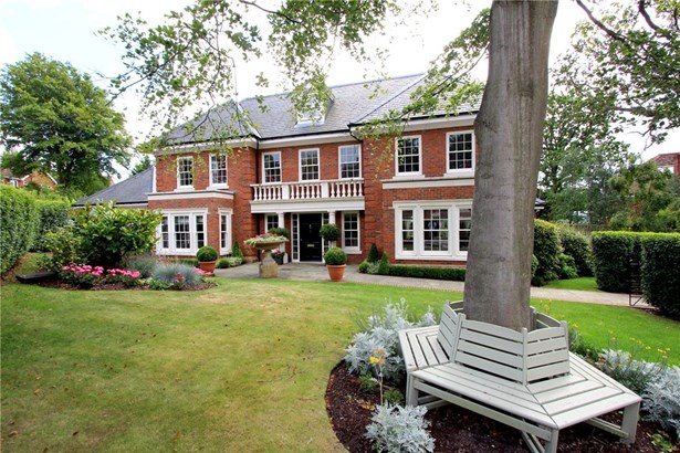 Oak Wood Place, Gerrards Cross - GBR (photo 1)