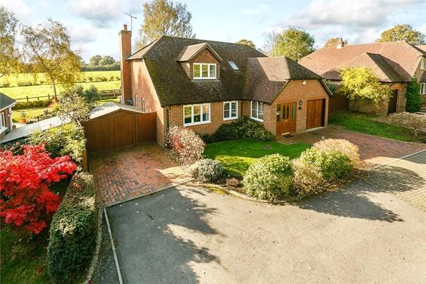 Oast House Lane, Farnham - GBR (photo 1)