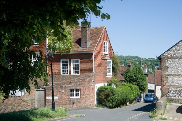 Castle Precincts, Lewes - GBR (photo 3)