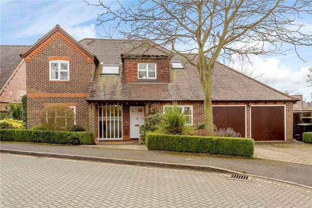 Hitherfield Lane, Harpenden - GBR (photo 1)