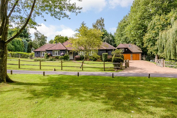 Hawkhurst Court, Wisborough Green, Billingshurst - GBR (photo 1)