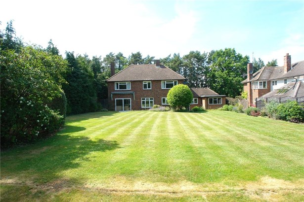 Oakfield Road, Harpenden - GBR (photo 2)