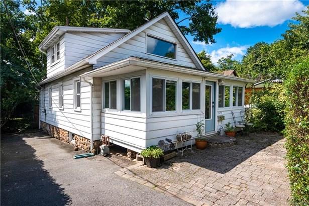 Single Family Residence, Bungalow - Nyack, NY