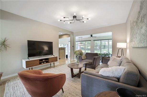 Single Family Residence, Split Level,Contemporary - Nyack, NY