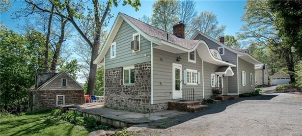 Colonial,Farm House, Single Family - Pearl River, NY (photo 1)