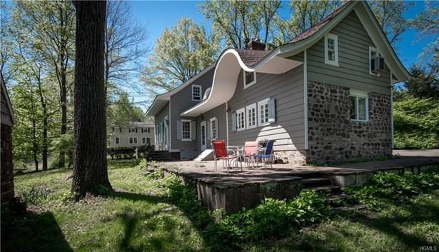 Colonial,Farm House, Single Family - Pearl River, NY (photo 2)