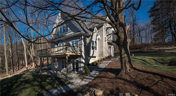 Arts&crafts,Colonial, Single Family - Valley Cottage, NY
