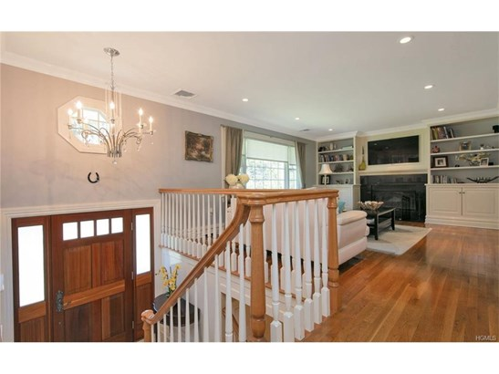 Contemporary,Other/See Remarks,Raised Ranch, Single Family - Suffern, NY (photo 4)