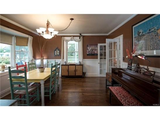 Colonial,Farm House, Single Family - West Nyack, NY (photo 5)