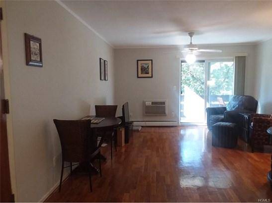 Condominium, Apartment,Garden Apartment - Valley Cottage, NY